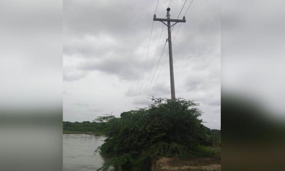 Alerta por posible colapso de poste que dejaría sin luz a Remolino  y Sitio Nuevo