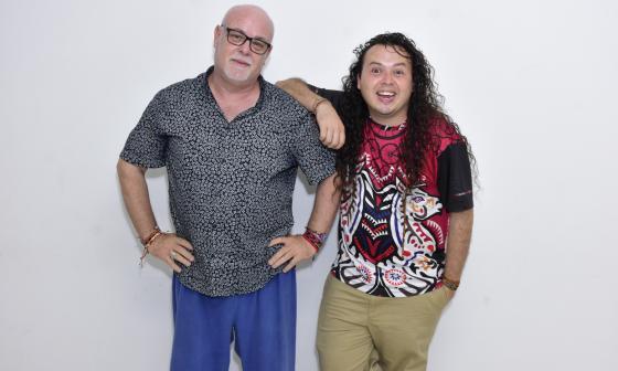 Aldo Méndez, de Cuba, y Romer Peña, de Venezuela durante su visita a EL HERALDO.