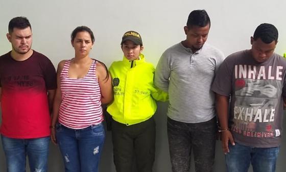 Cuatro de los cinco capturados por las autoridades.