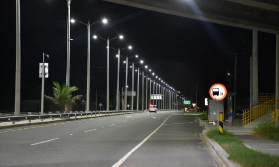 Ya han reparado 38 luminarias en la vía a Puerto Colombia