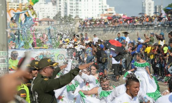 En Cartagena ya resuenan la música y los 'buscapiés'