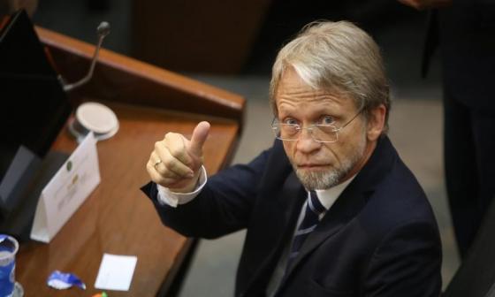 """""""Tenemos que volver viral la confianza"""": Antanas Mockus"""