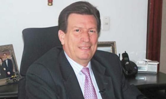 Gilberto Orozco, jurista designado para completar terna en fiscal ad hoc.