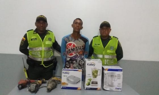 En video | Alertan por supuestos recicladores que usan niños para robar casas en Campo Alegre