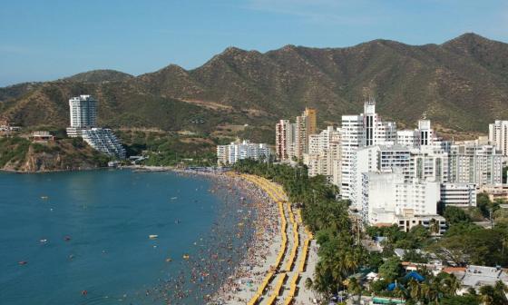 Panorámica de la playa El Rodadero en Santa Marta.