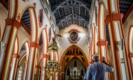Interior de la Iglesia San Nicolás de Tolentino en el Centro de Barranquilla.