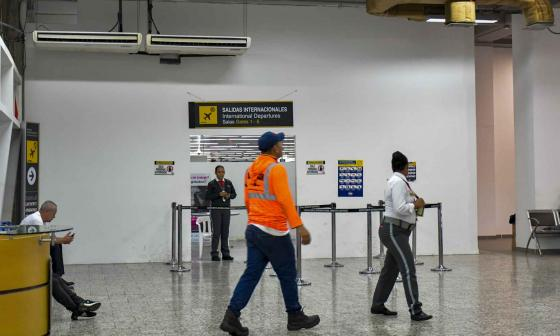 El pabellón de salidas internacionales del aeropuerto Ernesto Cortissoz.