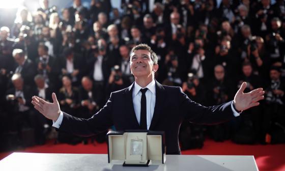 Antonio Banderas gana premio a mejor actor en el Festival de Cannes