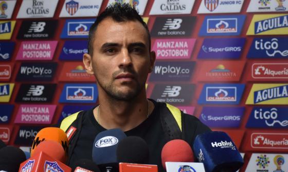 Marlon Piedrahíta en la conferencia de prensa.