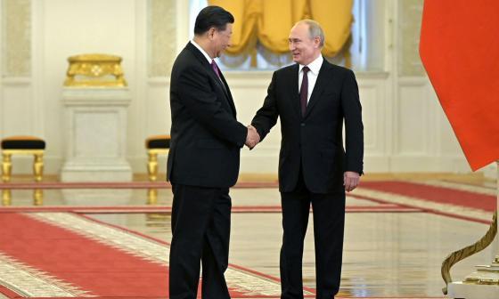 Vladímir Putin, recibió hoy en Palacio del Kremlin al dirigente chino Xi Jinping.