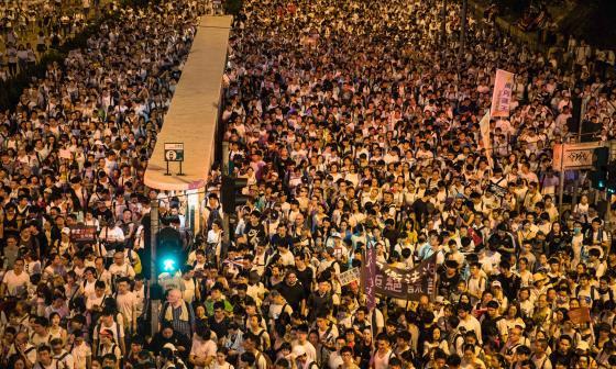 La masiva manifestación en Hong Kong de este domingo.