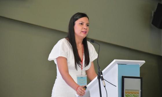 Ericka Blanco durante su exposición en el foro sobre Cambio Climático.