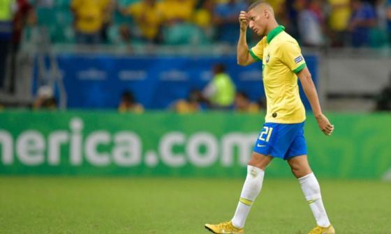 Richarlison excluido del plantel de Brasil por sufrir una parotiditis