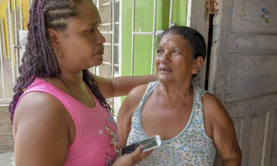 """""""Esta es una alegría que no  se logra describir con nada"""": familiares de los 59 colombianos que estaban presos en Caracas"""