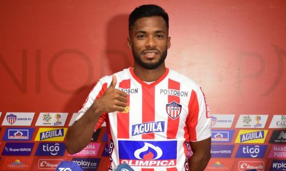 Luis 'Cariaco' González con la camiseta de Junior.