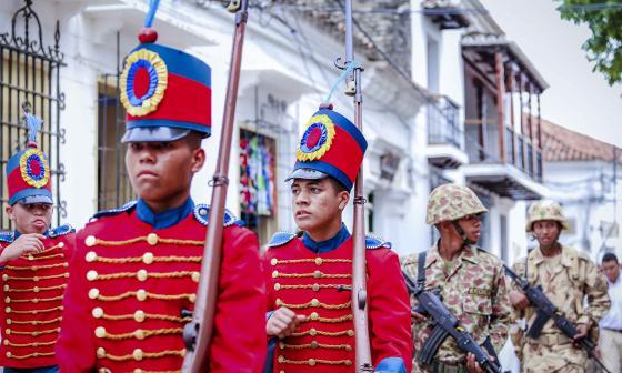 Desfile del aniversario de indepedencia de Mompox.