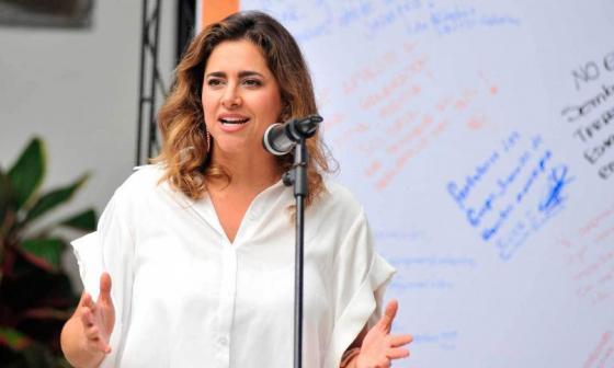 Reversan dar nombre de Primera Dama a premio