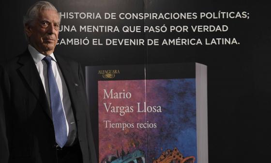 Vargas Llosa regresa a la historia latinoamericana con 'Tiempos recios'
