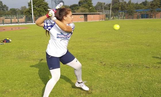 Wendy Mejía, la exatleta que ahora es pilar en el sóftbol criollo