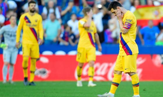 Messi muestra su tristeza por la derrota ante el Levante.