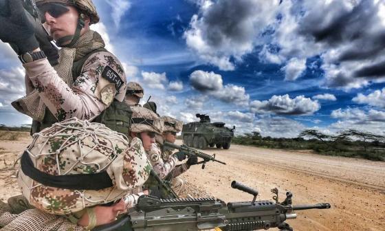 Militares colombianos y extranjeros se entrenan en el desierto de la Alta Guajira