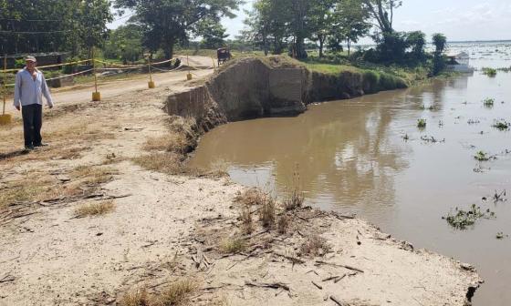 La carretera fue ampliada cuatro metros en el punto crítico de la erosión.