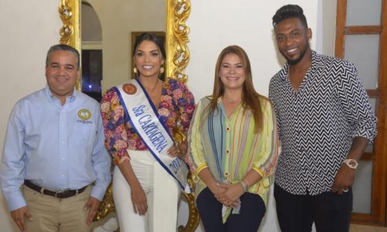 El alcalde de Cartagena, Pedrito Pereira, junto a Yoselin Rincón, Señora Cartagena, la gestora social Eliana Bustillo y el grandesligas Julio Teherán.
