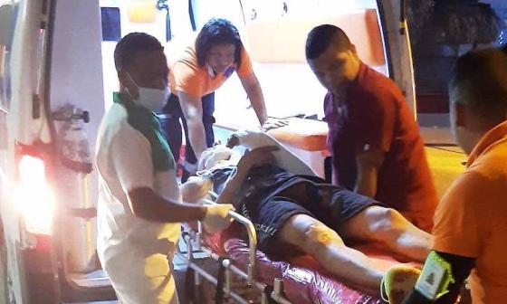 Momento en el que un herido era atendido.