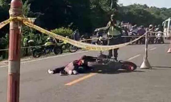 En video | Muere motociclista al ser atropellado por una tractomula en Sucre