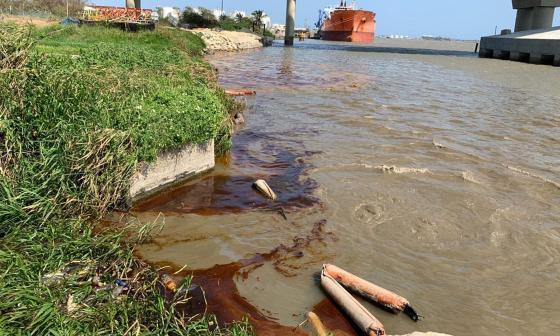 En video | Emergencia por mancha de aceite en río Magdalena