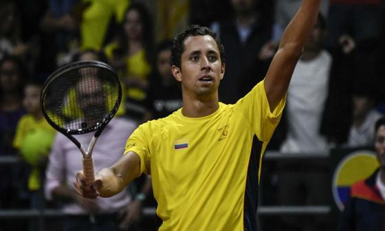 El tenista colombiano Daniel Galán celebrando.