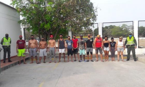 Los capturados por violación de la cuarentena y agresión a la Policía.