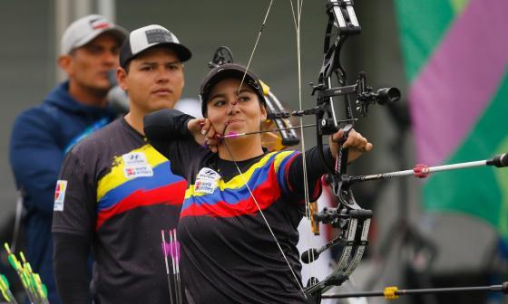 Sara ganó un torneo internacional de tiro con arco en formato remoto, en el que participaron ocho contendientes.