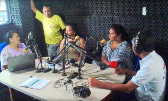La conectividad virtual de estudiantes de la Alta Guajira la hace una emisora indígena