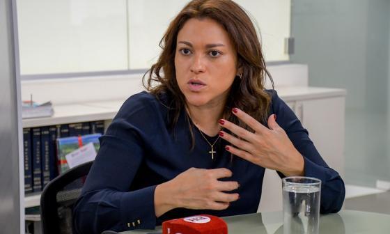 La superintendente, Natasha Avendaño.