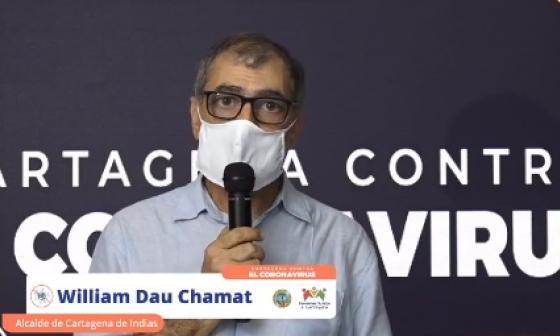 El alcalde de Cartagena, William Dau, durante la transmisión del miércoles en el que anunciaba toque de queda y ley seca en el puente festivo.