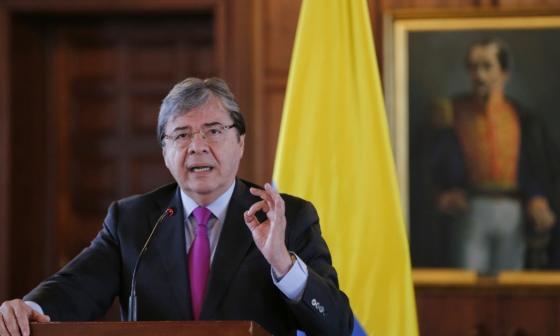 Colombia pide apoyo internacional en lucha contra la minería ilegal