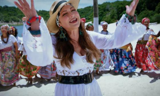 Gloria Estefan en el video musical de