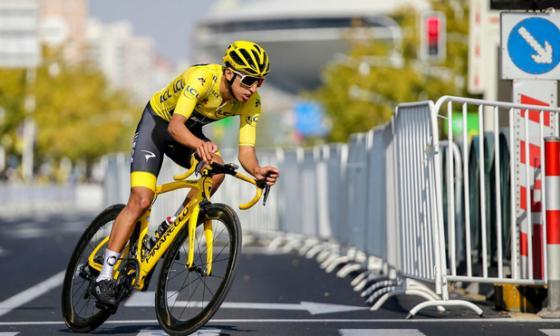 El colombiano Egan Bernal en acción.