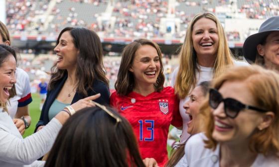 Natalie Portman, Eva Longoria y Serena Williams entran en el fútbol femenino