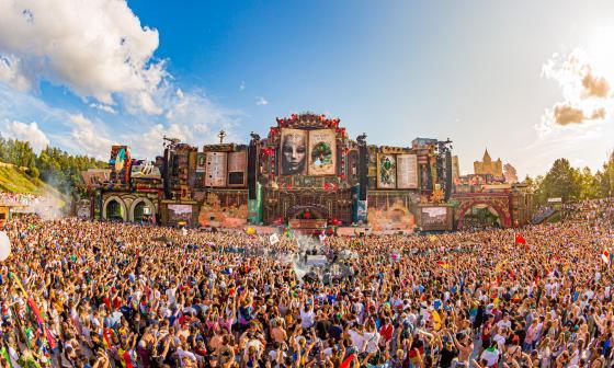 Katy Perry, Guetta y Steve Aoki prometen un Tomorrowland virtual histórico