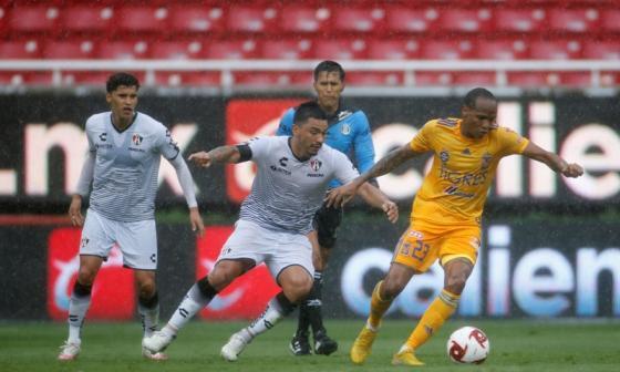 Luis Quiñones es vital en el ataque de Tigres de México con su habilidad y velocidad.