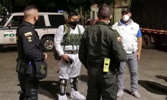 Atacan por segunda vez a piedras a autoridades en Maicao