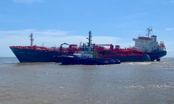En video   Dimar supervisa fase final de salvamento para desencallar buque