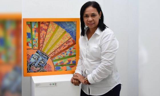 Nistar Romero, periodista cultural que recibe el reconocimiento Vida y Obra en los premios Ernesto McCausland.