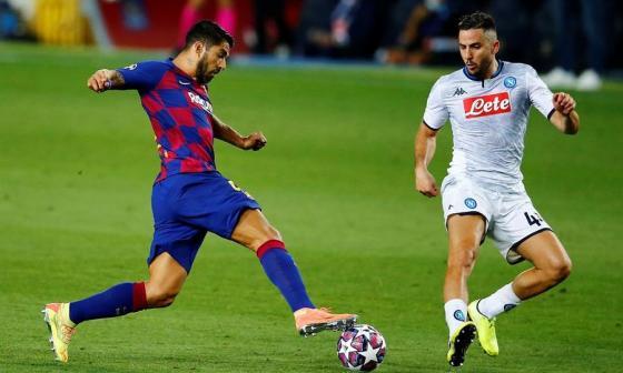Luis Suárez anotó el tercer gol de Barcelona a través del cobro de una pena máxima.