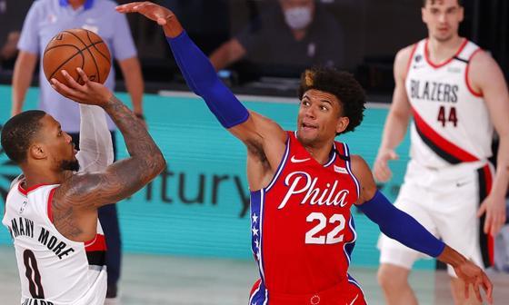 Los Trail Blazers de Damian Lillard luchan por un lugar en los playoff de la NBA.