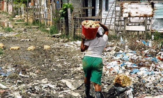Pandemia dispara pobreza femenina y amplía brechas de género, según ONU