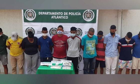Los once capturados por la Policía del Atlántico.
