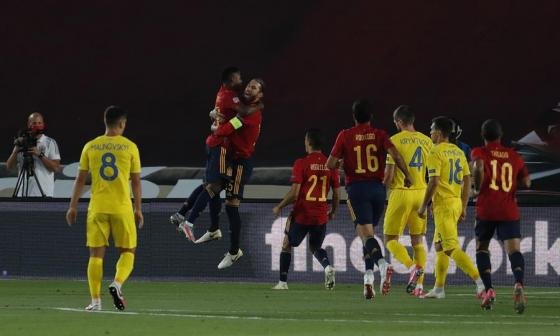Ansu Fati hace historia en la victoria de España ante Ucrania